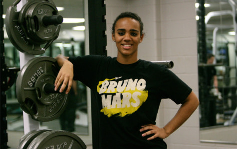 Marissa Gentry competes in powerlifting
