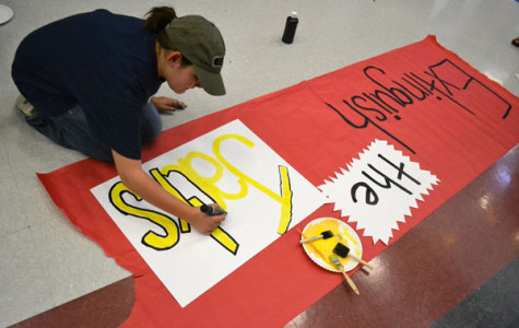 Freshman class wins wall decorating challenge