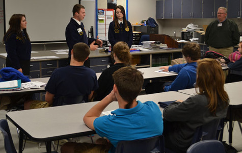 State officers meet with FFA class