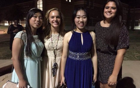 First dance \\ Foreign exchange students attend their first homecoming dance. From left to right: Chinese exchange student Abigail Qian, her host sophomore Greta Williams, Chinese exchange student Amber Zhang and junior Maria Sardo.