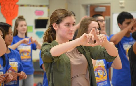 Spanish Honor Society learns how to Salsa