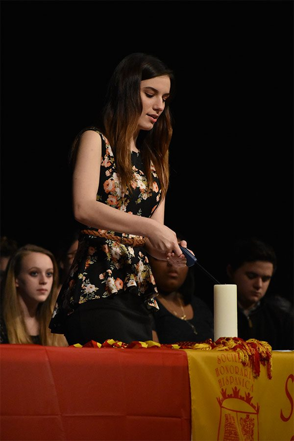 Spanish Honor Society welcomes new members