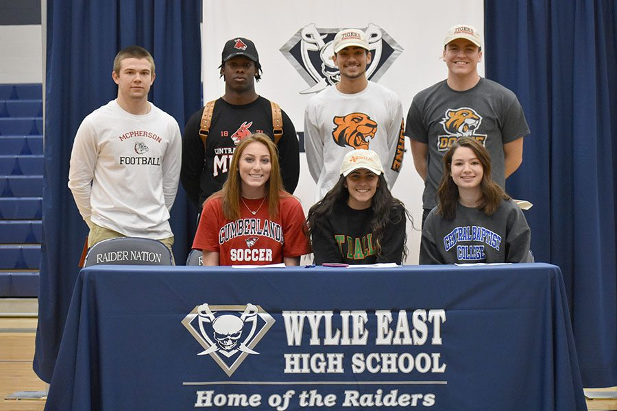Sign+of+our+life+%5C%5C+Seven+athletes+sign+to+play+at+various+colleges.+Best+friends+Parker+Millis+and+Christian+Matta+both+signed+to+play+at+Doane+University.%0A%0A%E2%80%9CIt%27s+the+happiest+moment+of+my+life+and+surreal+going+to+college+with+my+best+friend%2C%E2%80%9D+Matta+said.%0A