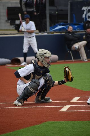 Baseball team shuts out Pirates 10-0