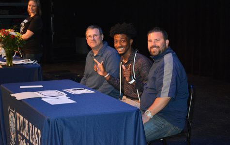 College Club members sign to attend post-secondary education