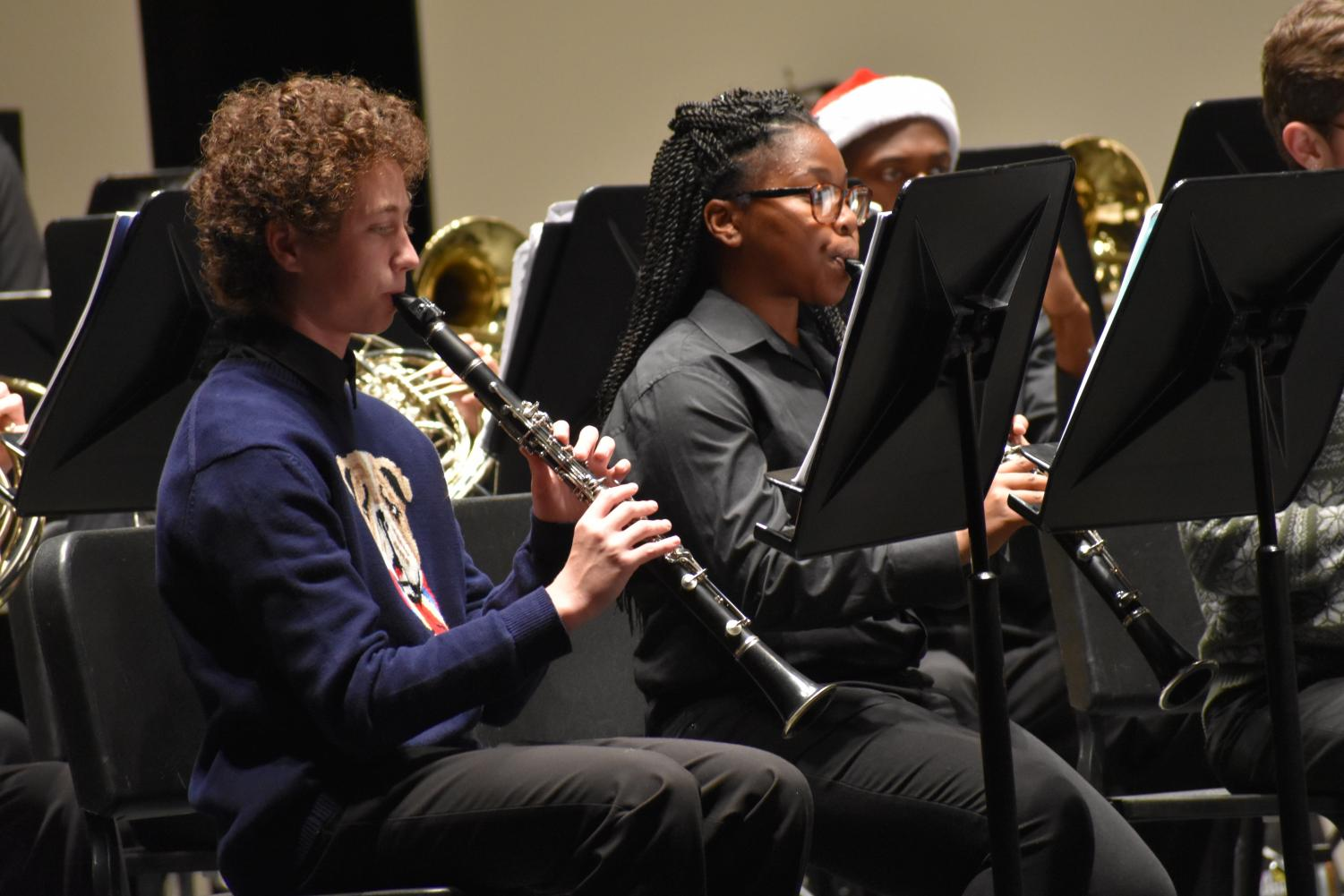Holly+jolly+clarinet+%5C%5C+Playing+Let+the+Bells+Ring+freshmen+Dylan+Townsend+and+Jazmyn+McKeel+harmonize+with+the+Wind+Ensemble+at+the+band+Christmas+concert+Dec.+6.