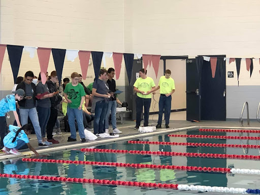 Water you doing? \\ FTC Robotics team travelled to Houston March 22 to compete in their first-ever underwater competition, Seaperch. The team placed 21st place out of 55 teams.