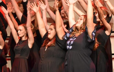 Choir braves the elements in fall concert