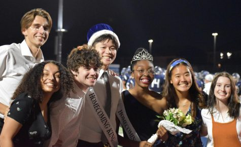 Christina Cho (second from right) celebrates with fellow Student Council members at the crowning of homecoming royalty Oct. 18, 2020.